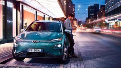 Vista frontale di di nuova Hyundai Kona Electric.