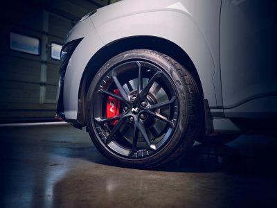 Immagine della ruota anteriore con freno N di Nuova Hyundai KONA N