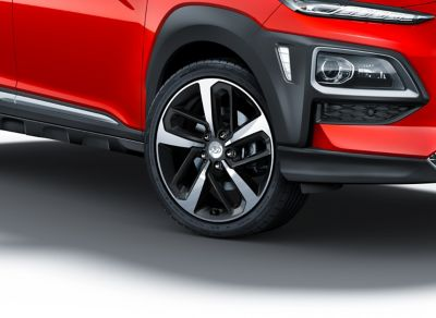 Photo of the alloy rims on the all-new Hyundai Kona.