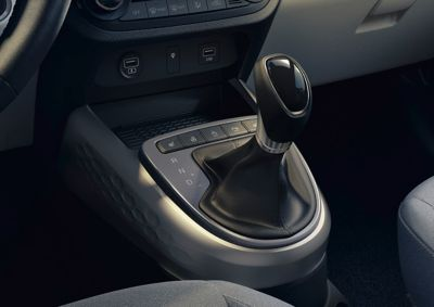 Close up view of the automated manual transmission intheHyundai i10.