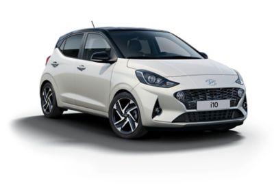 Hyundai i10 Polar White vrijstaand.