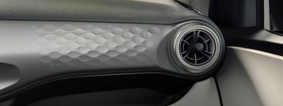 Close up view of the3D honeycomb dashboard panel inth eall-new Hyundai i10.