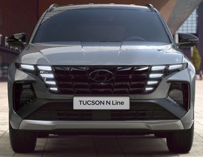 Detail of the all-new Hyundai TUCSON Plug-in Hybrid N Line front grille and headlamps.