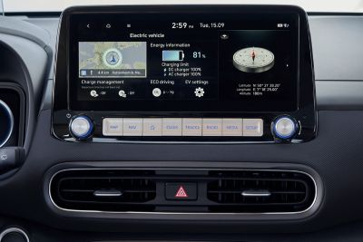 "The 10.25"" touchscreen of the new Hyundai Kona Electric supporting Apple CarPlay™ and Android Auto™."