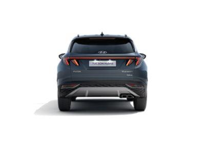 Immagine del retro del SUV compatto Nuova Hyundai TUCSON Hybrid con i grandi gruppi ottici posteriori a LED.
