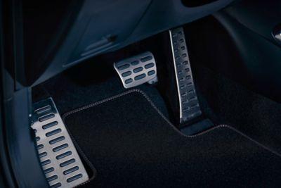 Dettaglio della pedaliera in metallo di Nuova Hyundai TUCSON N Line.