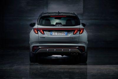 Vista posteriore di Nuova Hyundai TUCSON N Line in Shadow Grey.