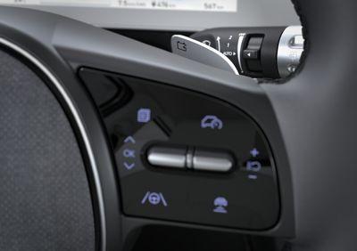 Le palette al volante del crossover 100% elettrico Hyundai IONIQ 5