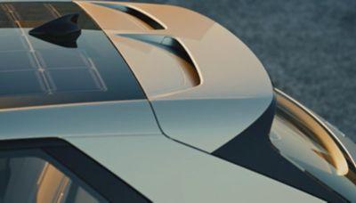 Lo spoiler sportivo e aerodinamico del crossover 100% elettrico Hyundai IONIQ 5