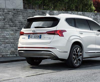 The new Hyundai Santa Fe 7 seat SUV showing its new taillight design.