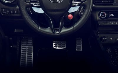 Metal pedals inside the Hyundai KONA N hot SUV.
