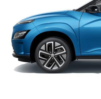 """Las nuevas llantas de aleación de 17"""" del nuevo Hyundai KONA Eléctrico."""