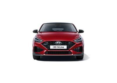 Nowy Hyundai i30 Fastback N Line widziany z przodu