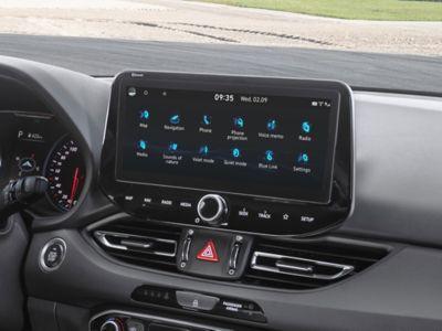 """Wyświetlacz 10,25 """"nowego Hyundaia i30 N."""