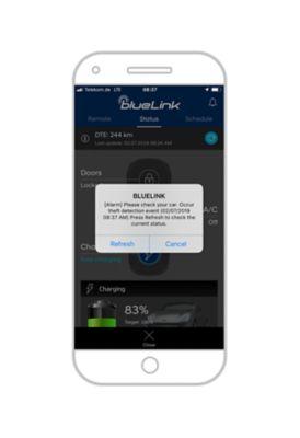 Aplikacja Hyundai Bluelink z powiadomieniem o próbie włamania do samochodu.