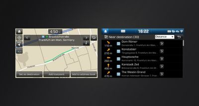 Hyundai LIVE Services show real-time traffic and map data.