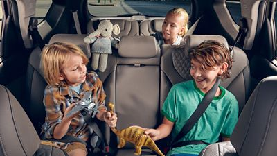 Photo showing kids occupying the two back rows of the all-new Hyundai Santa Fe.