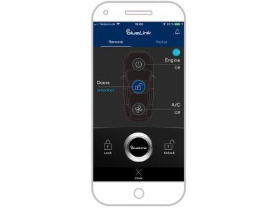 Screenshot di app Hyundai Bluelink su iPhone: sblocco auto