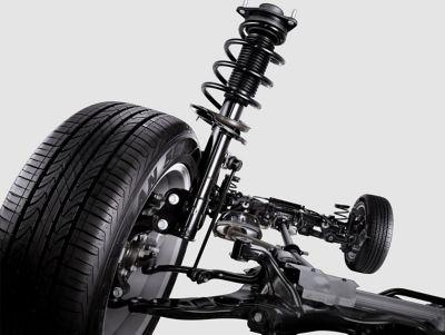 Sospensione MacPherson del SUV 7 posti Nuova Hyundai Santa Fe Hybrid