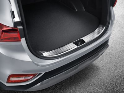 The Hyundai SANTA FE with the stainless-steel barrier for easy loading.