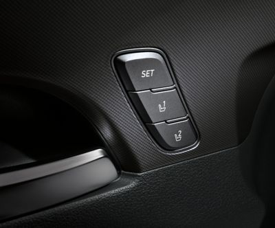 The Memory Seat controls of the new Hyundai Santa Fe Hybrid 7 seat SUV.