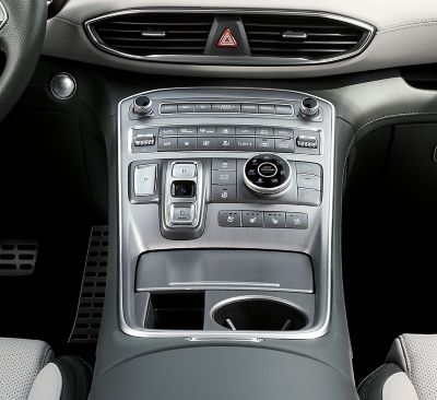 An interior view of the centre console of the new Hyundai Santa Fe 7 seat SUV.