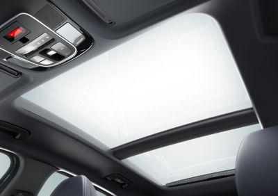 Vista degli interni del Nuovo SUV compatto Hyundai TUCSON Plug-in Hybrid.