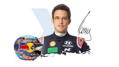 Kierowca Hyundai Motorsport Thierry Neuville wraz z podpisem.