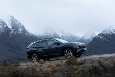 Hyundai Tucson Plug-In Hybrid på fjellet. Foto.