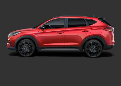 """Picture of the 19"""" alloy wheels and performance tyres on the Hyundai Tucson N Line."""