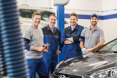 Zespół pracowników serwisu ASO Hyundai.