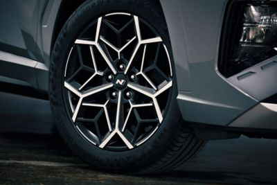 "Detail of the all-new Hyundai TUCSON N Line 19"" alloy wheels."