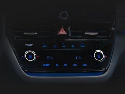 Aria condizionata con comandi high-tech in Nuova Hyundai IONIQ Electric.