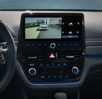 Close up image of the Driving Rear-View Monitor (DRM) in the Hyundai IONIQ Electric.