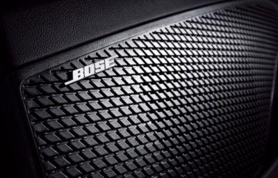 System muzyczny klasy premium firmy BOSE w Nowym Hyundaiu Elantra.