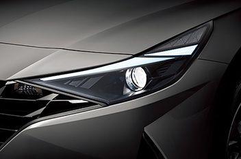 Przeprojektowane reflektory projekcyjne Nowego Hyundaia Elantra.