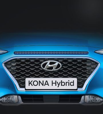 KONA Hybrid pictured from the front with Hyundai's new radiator grille.