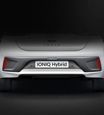 Tylny zderzak Hyundaia IONIQ Hybrid.