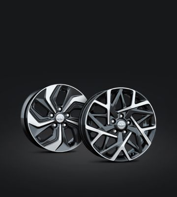 A close up view of the 16 and 18 inch alloy wheels of the new Hyundai KONA Hybrid.