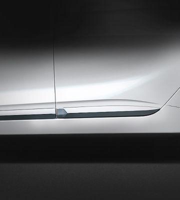 Vue rapprochée de la ligne de ceinture de caisse de Hyundai IONIQ plug-in.