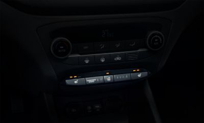 Photo of the heated seats and steering wheel controls in the Hyundai i20 Coupe.