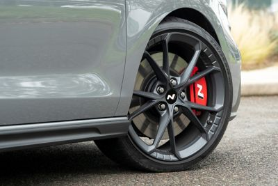 """lightweight 19"""" forged alloy wheels on the new Hyundai i30 Fastback N"""