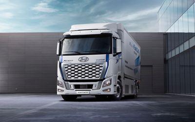 XCIENT Fuel Cell-vrachtwagen van Hyundai, vooraanzicht.