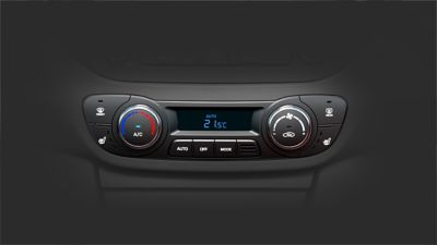 Photo of the air conditioning controls on the Hyundai i10.