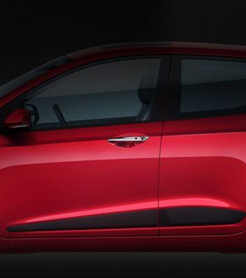 The sleek side mouldings on the Hyundai i10.