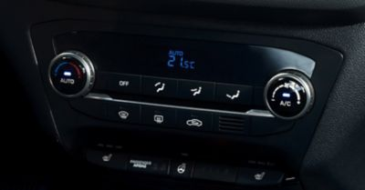 Photo of the automatic air conditioning system in the Hyundai i20 Coupe.