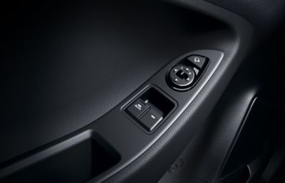 Photo showing the electric power window buttons in the Hyundai i20 Coupe.