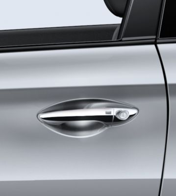 Picture of the Hyundai i20 Coupe's chrome-coated outside door handles.