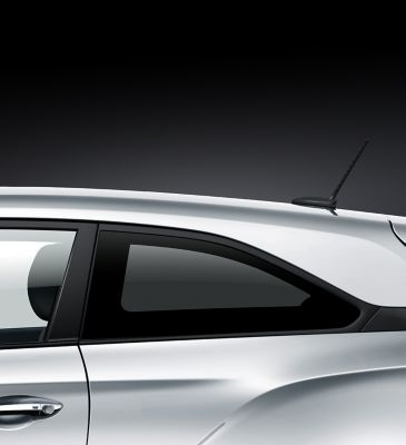 The tinted rear windows on the Hyundai i20 Coupe.