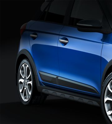 The wheel arches feature black protective mouldings on the new Hyundai i20 Active.